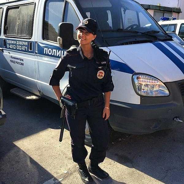 Работа для девушки в полиции с юридическим образованием веб девушка модель мужчина спб