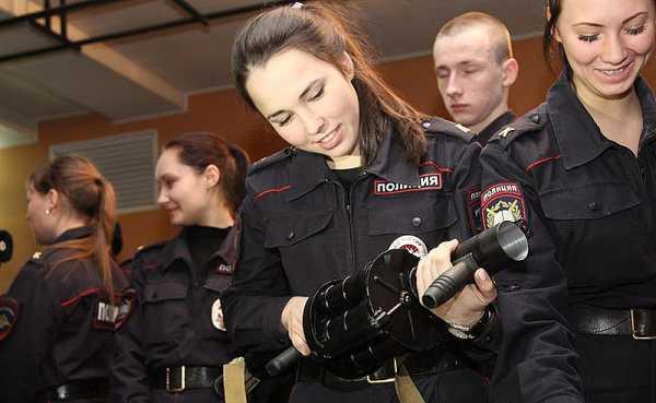 Работа в полиции для девушки после 9 класса alessandra corine ambrosio